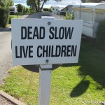 dead-slow-sign