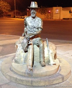Had the Tourist Information center been open, I might have gotten some history about this statue in Kalgoorlie...