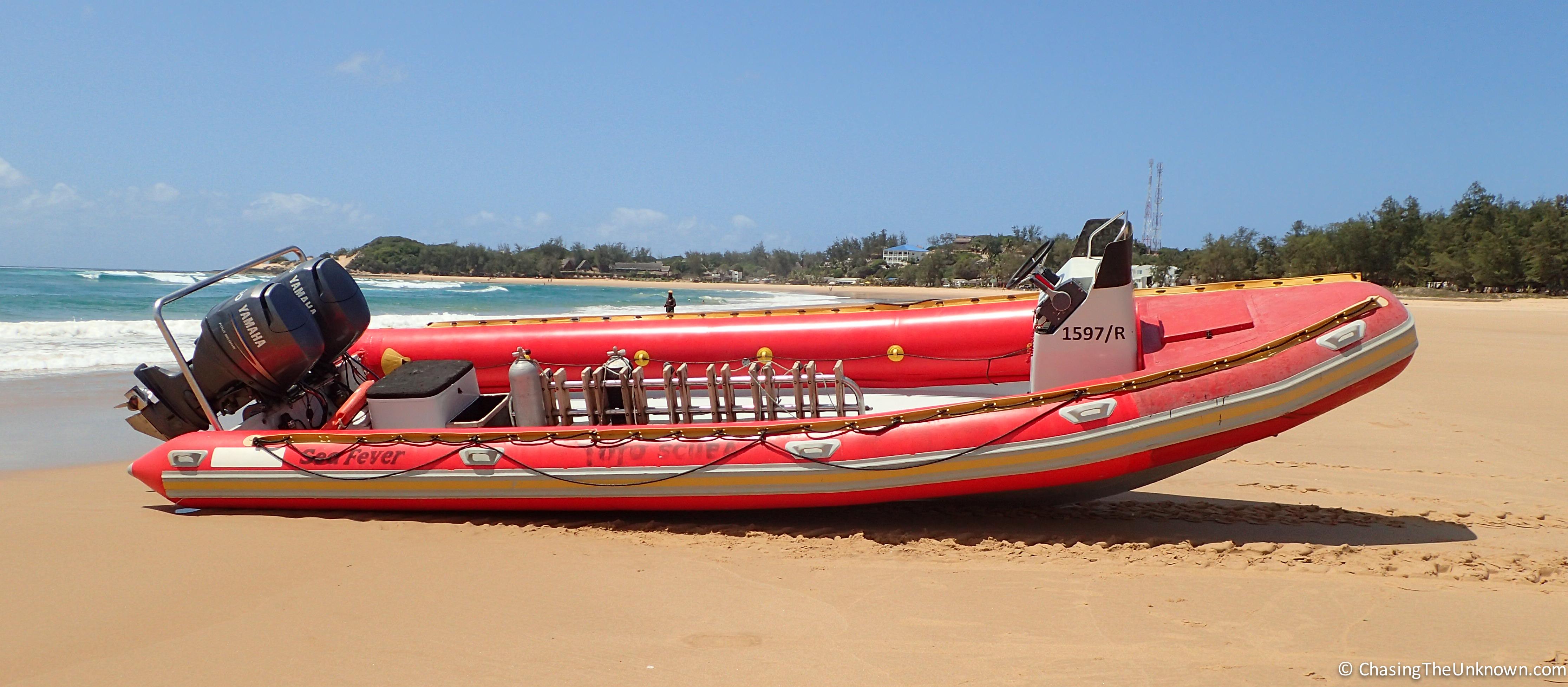 dive-boat-tofo