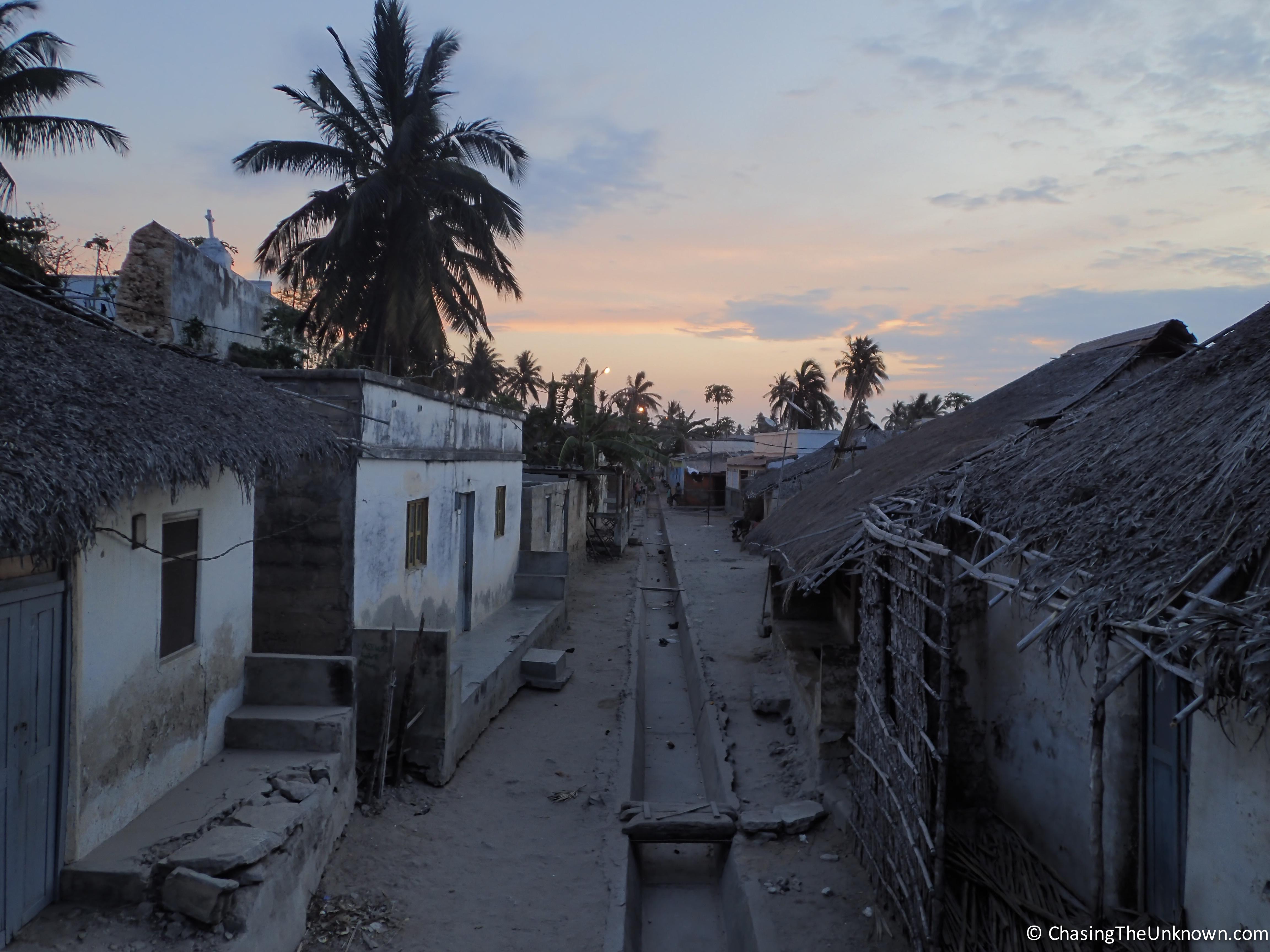 makuti-town-mozambique-island