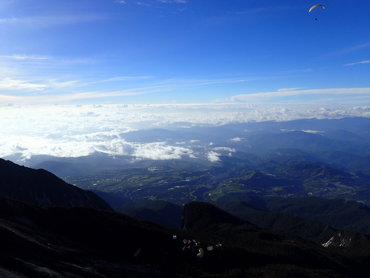 paragliding-mount-kinabalu