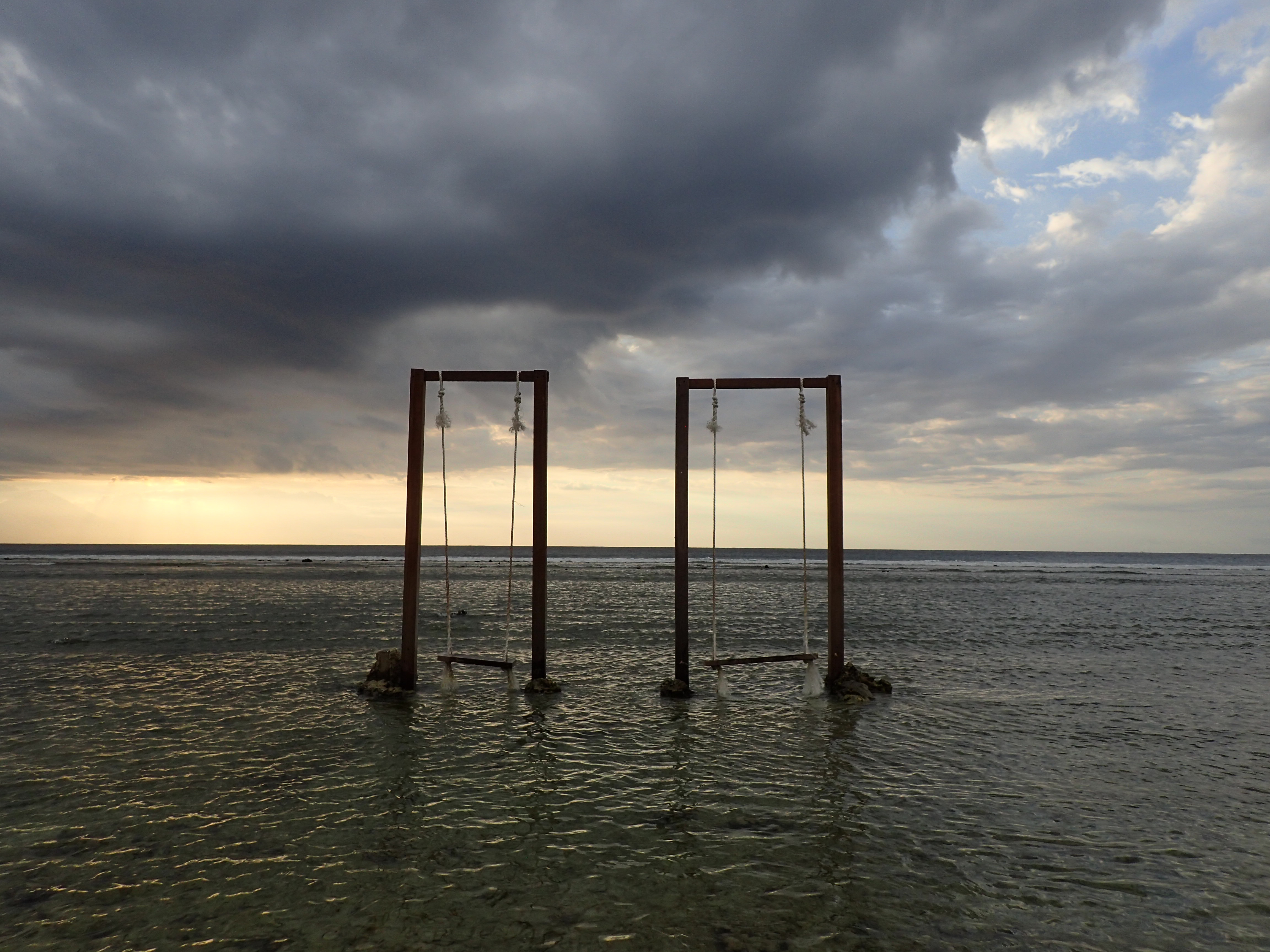 Gili-T-swings